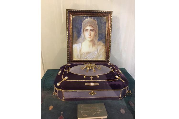 Шкатулка для драгоценностей - подарок от Александра III. Автор фото: Ася ХОВАНСКАЯ