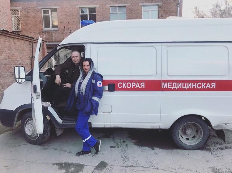 Отработав сутки, девушки идут на вторую работу – например, мастером маникюра. Фото: предоставлено Ириной АНОХИНОЙ.