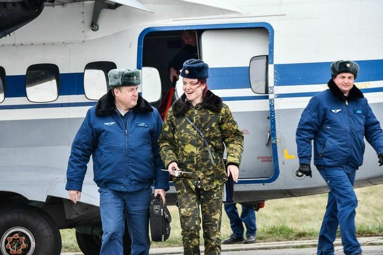 Эмоций после первого полета было много. Фото: Минобороны России.