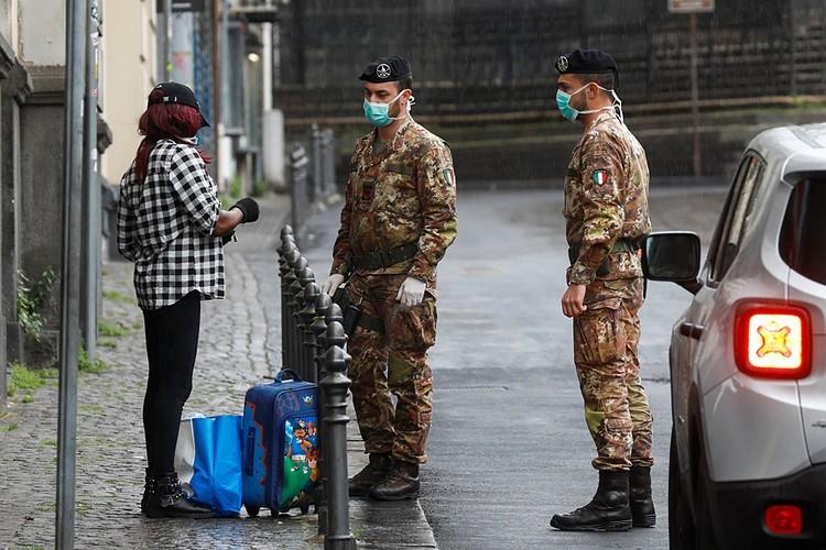 Правительство Италии выпустило новый декрет, согласно которому нельзя гулять в одиночку, а на улицу нужно ходить в масках