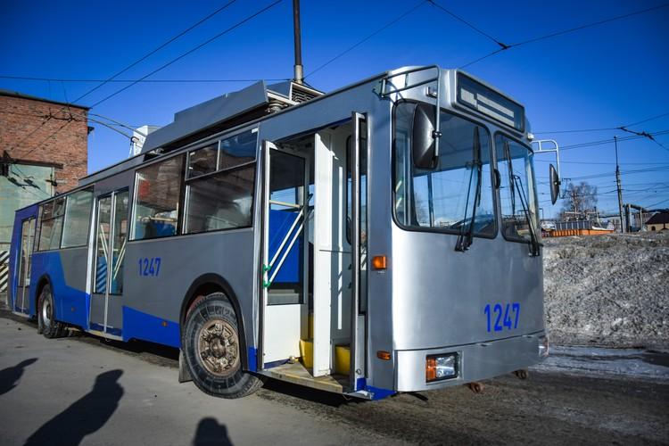 Троллейбусы, в отличие от маршруток, работают по полному графику - до 0.30.