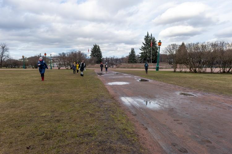 Парки дополнительно оградят леерами, чтобы ни у кого не было соблазна туда залезть.