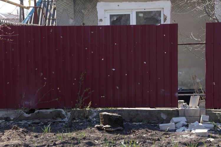 Из 122-миллиметровых орудий украинские военные обстреляли поселок Горняк