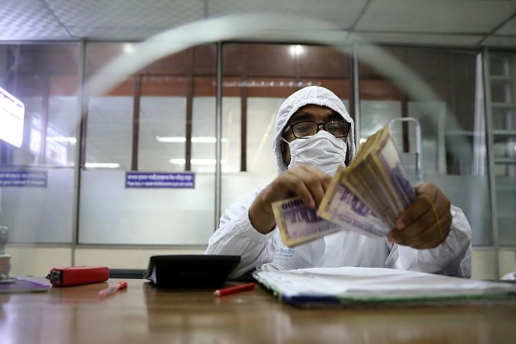 Cейчас будет активно разгоняться тема ненужности и опасности бумажных денег. Все переводите на карточки, в банк, онлайн