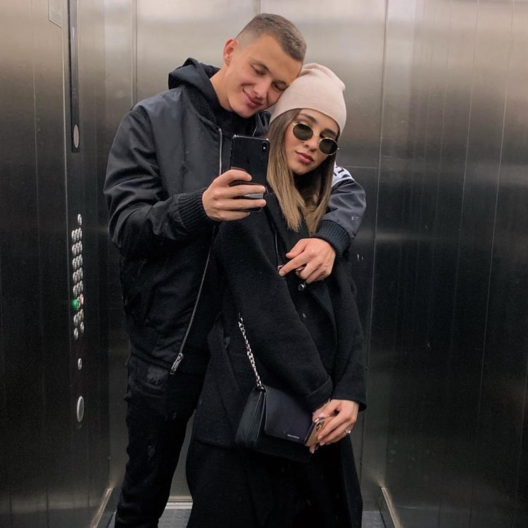 Футболист решил провести карантин со своей избранницей. Фото: личная страница Игнатьев в Инстаграме.