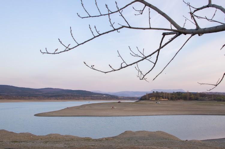 В начале февраля в Госкомводхозе говорили, что воды хватит не больше, чем на три месяца