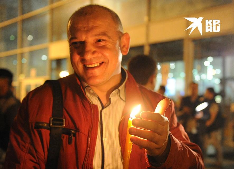 Встреча Благодатного огня в московском аэропорту Внуково. Фото: Михаил ФРОЛОВ