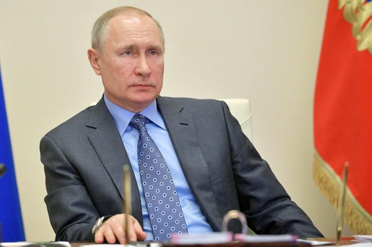 """Путин о текущей ситуации с коронавирусом в России: """"Нам в целом удаётся решать задачи первого этапа борьбы с эпидемией, замедлить её распространение. Но пик заболеваемости ещё впереди""""."""