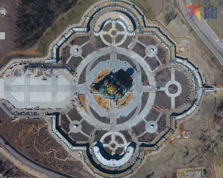Храм в Кубинке должен стать третьим по высоте православным храмом в мире после храма Христа Спасителя и Исаакиевского собора.