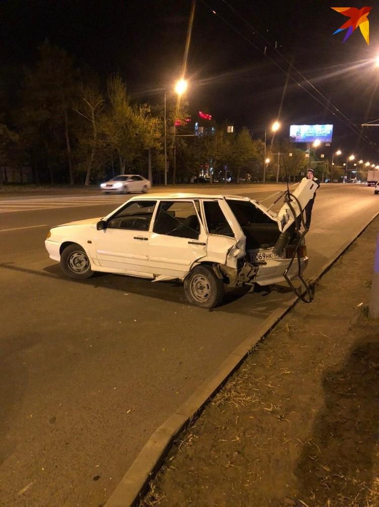 BMW столкнулась с ВАЗ-2114, ее водитель получил ушибы