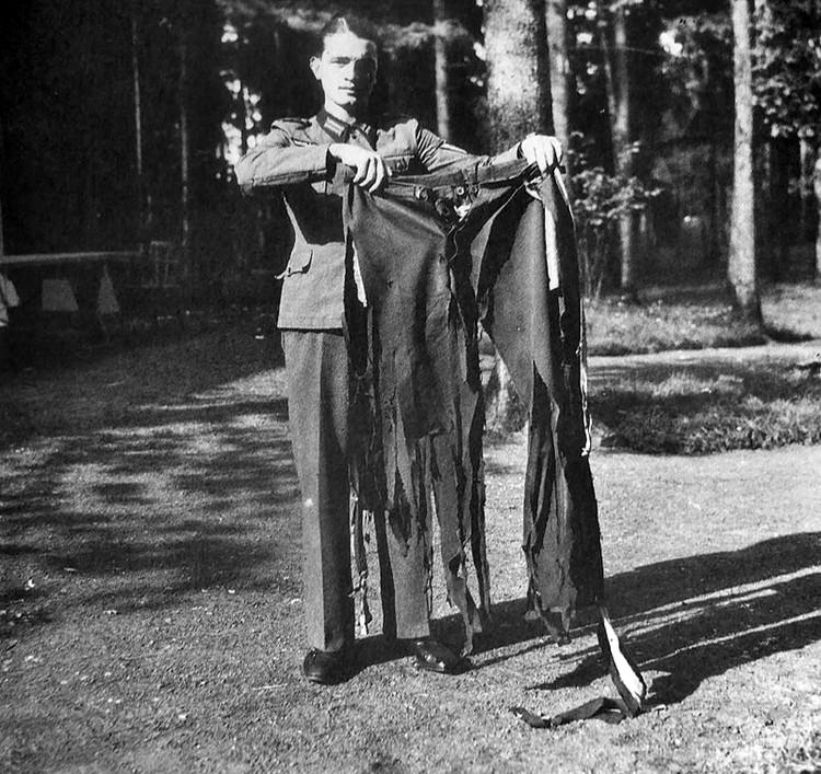 Брюки Гитлера, разорванные при взрыве бомбы на совещании в ставке «Вольфшанце», 20.07.1944 г