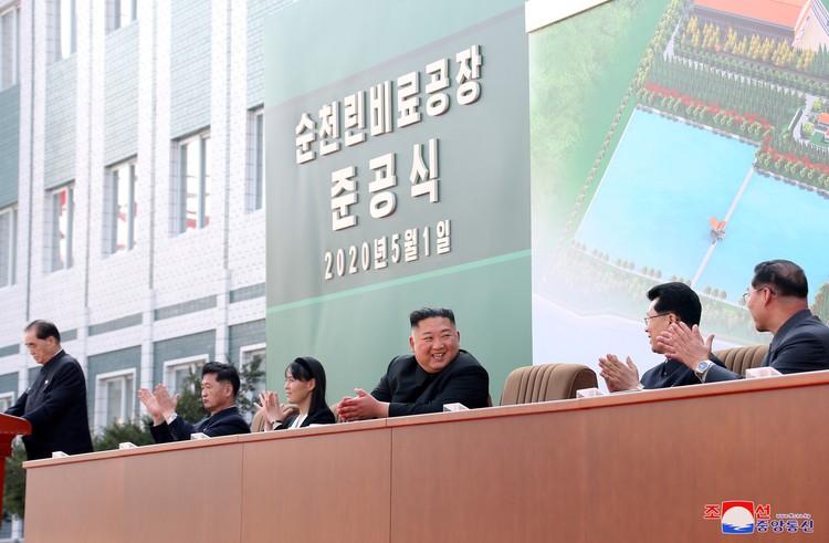 1 мая состоялась церемония завершения строительства завода по производству удобрений в городе Сунчхон