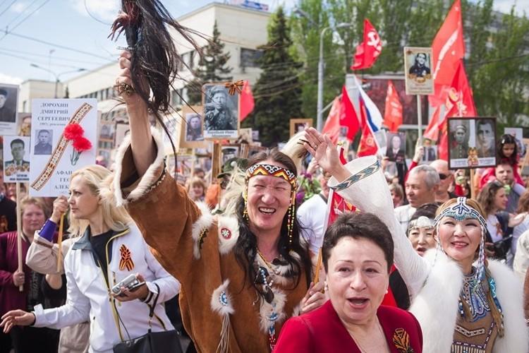 Шествие Бессмертного полка в Донецке. Фото: архив Елены Романенко