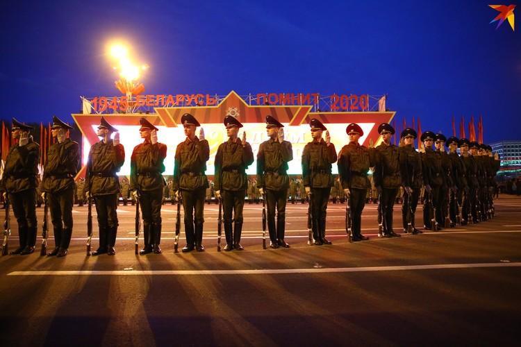 Репетиция роты почётного караула.