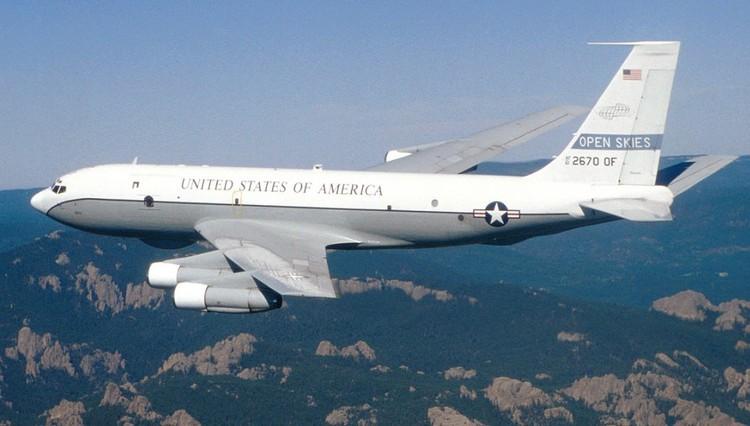 """Американский самолет """"Боинг ОС-135Б"""", участник международной программы """"открытого неба""""."""