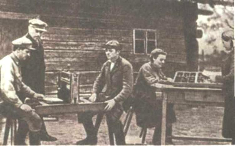 Василий Тимофеевич основал подпольную типографию по выпуску газеты «Советский патриот».
