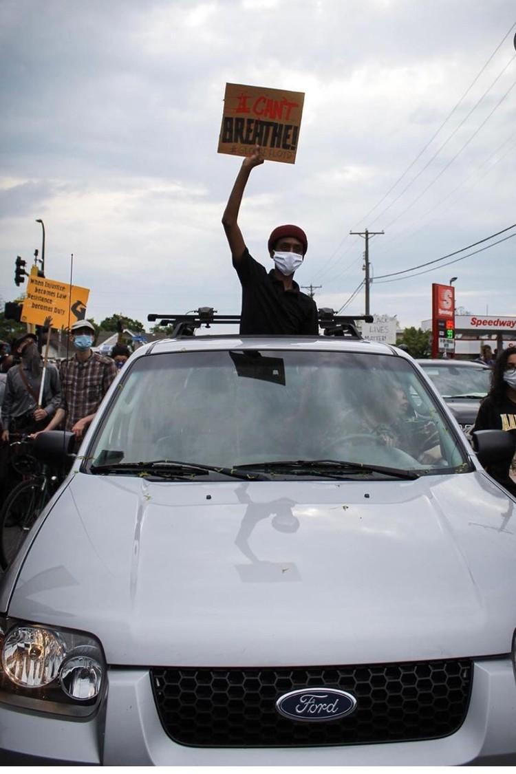 Мирный протест стал перерастать в беспорядки и мародёрство