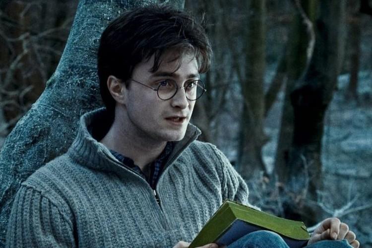 Дэниел Рэдклифф в роли Гарри Поттера.