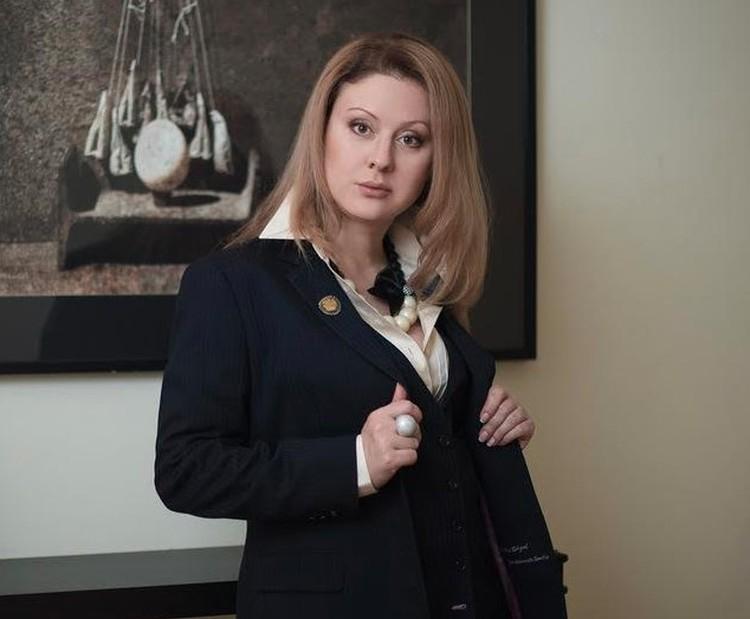 Адвокат Майя Сандлер.
