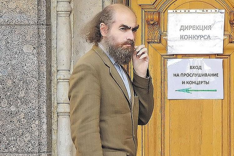 Скромный гений продолжает жить как отшельник. Фото: Руслан ШАМУКОВ/TASS