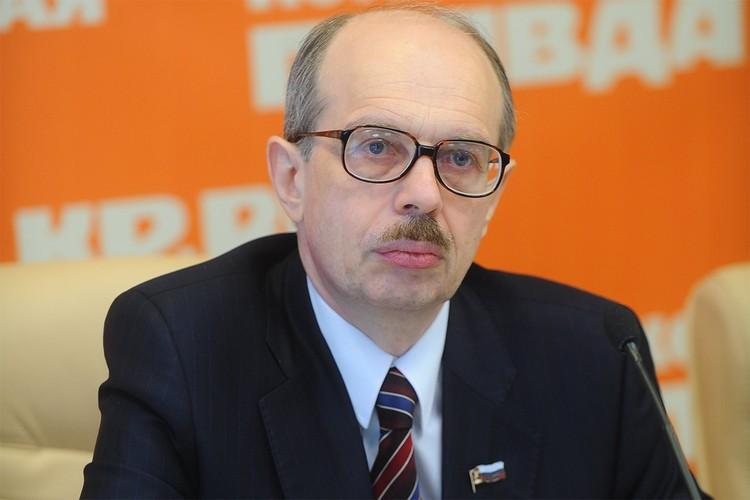 Адвокат Леонид Ольшанский.