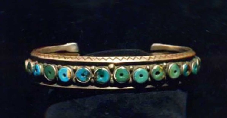 2. Серебряный браслет с бирюзой из 22 бусин, дата изготовления - начало прошлого века.