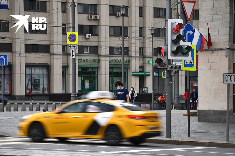 В РСПП, «Деловой России» и «Опоре России» считают, что спасти отрасль можно, повысив безопасность перевозок и введя дополнительную финансовую ответственность сервисов заказа такси в случае ДТП.