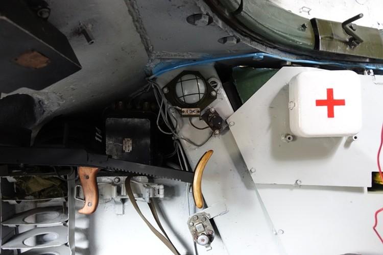 Внутри танка Т-34.
