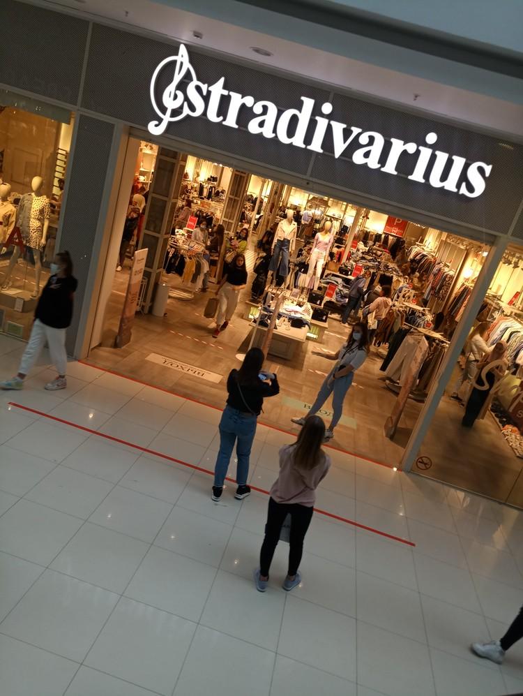 Кажется, больше всех скучали по шоппингу девушки