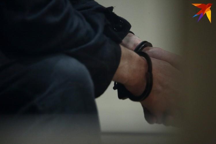 30-летний Виктор Скрундик приговорен к расстрелу.