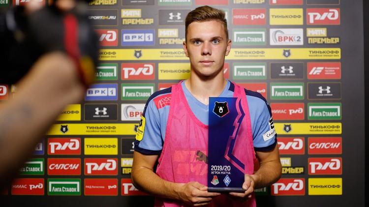 Максим Глушенков провел очередную хорошую игру