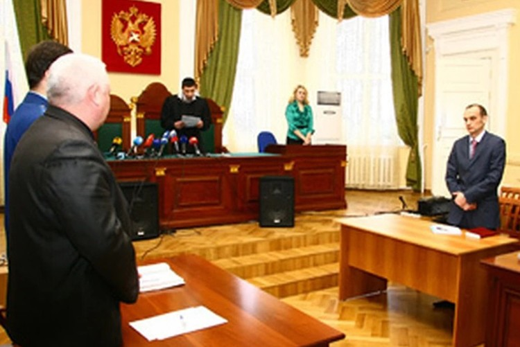 На заседание суда в 2011 году Андрея Силяков так и не явился.