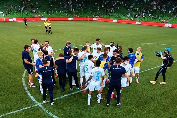 Зенит второй год подряд становится чемпионом России по футболу!