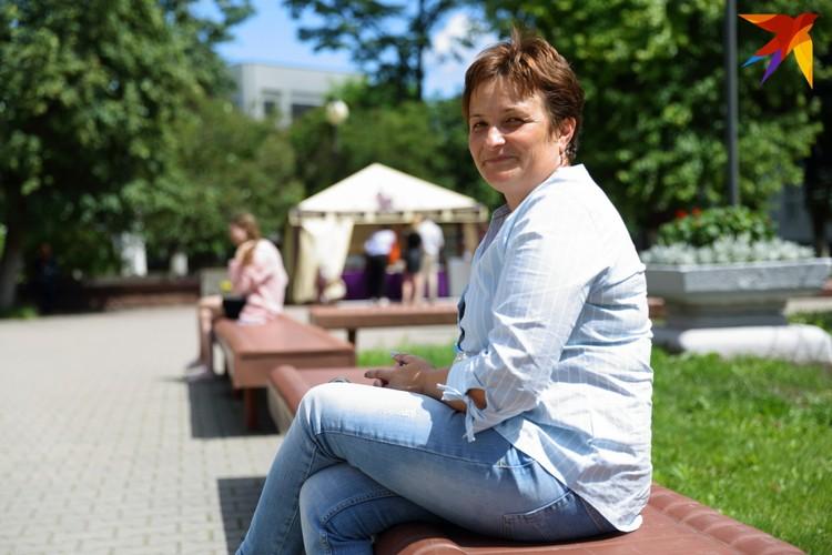 Ольга приходит поддержать сына Константина на ЦТ и по белорусскому, и по биологии, и по химии
