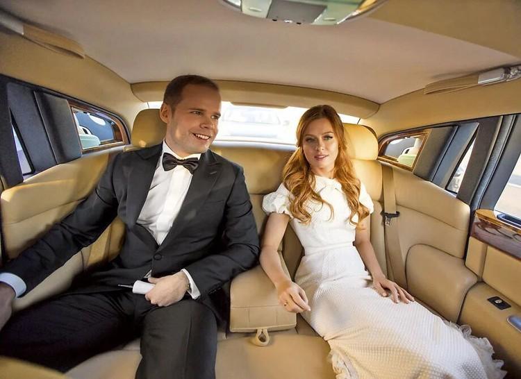 В 2014 году певица вышла замуж за музыканта Александра Аршинова.
