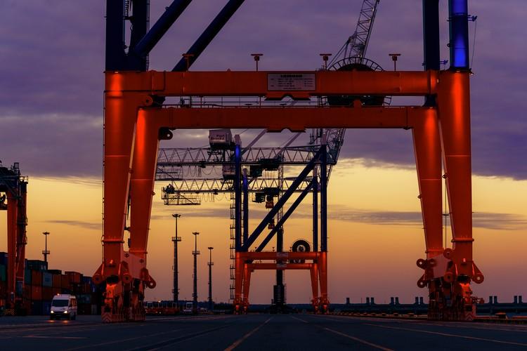 Общая площадь порта - 120 Га.