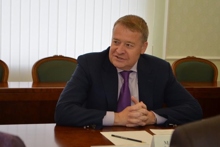 По версии следствия он получил от бизнесмена 245 миллионов рублей.