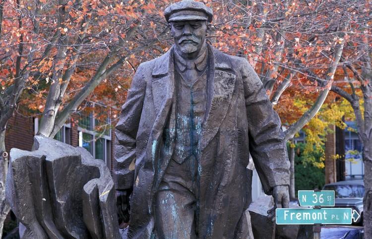 Памятник Ленину в американском Сиэтле.