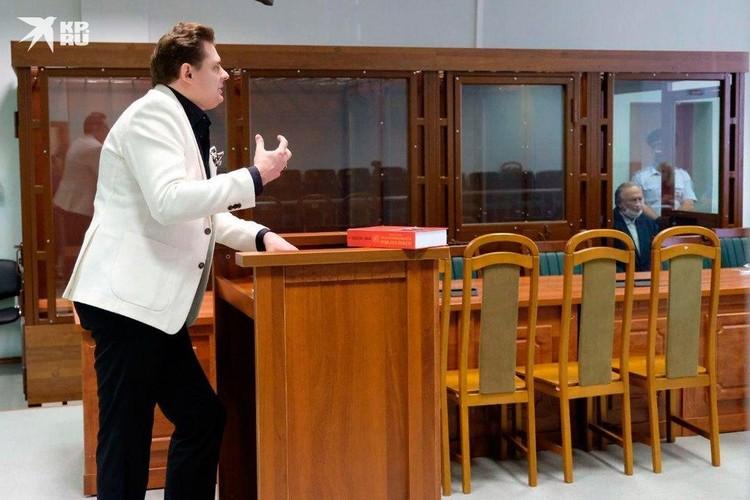 Понасенков назвал выступление в суде своей премьерой
