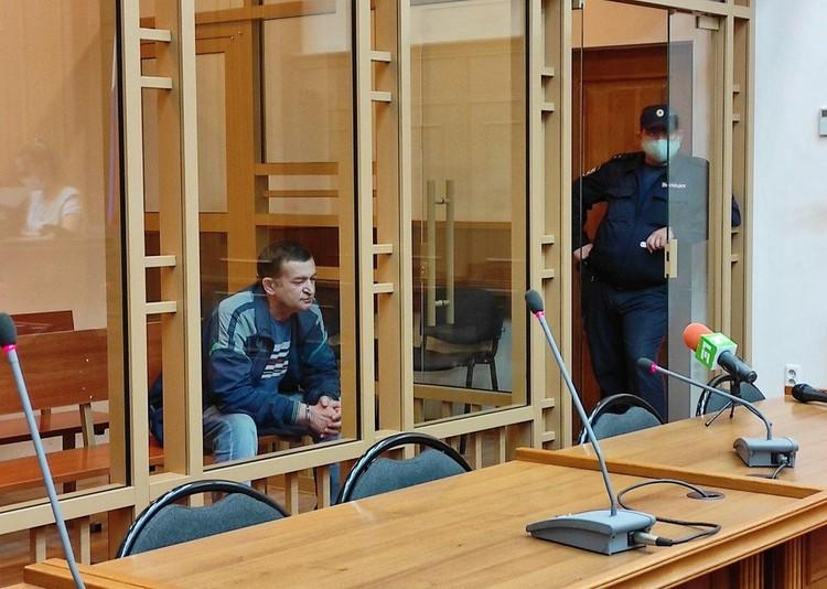 Азат Зарипов внешне был спокоен