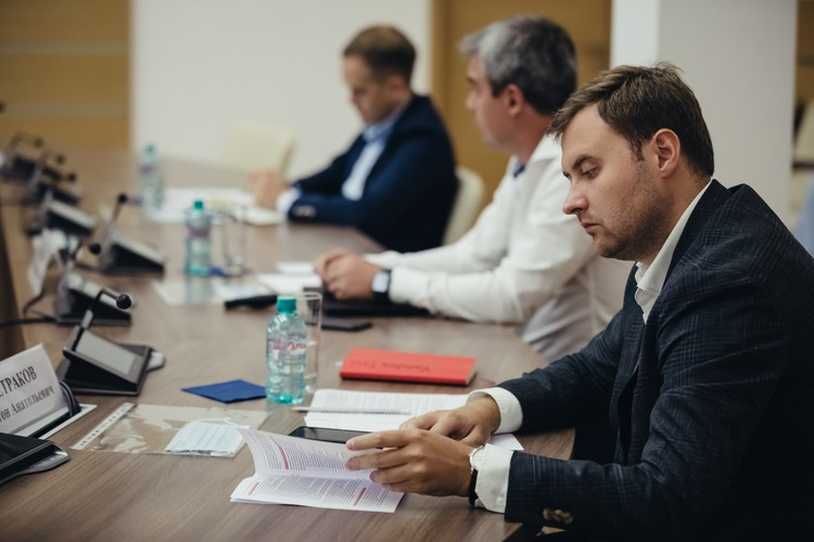 Директор по работе с госорганами в «Яндекс.Такси» Антон Петраков убежден, что цифровые сервисы сегодня наиболее дружелюбны к самозанятым.