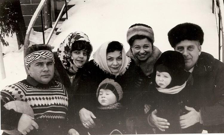 Маленькие Юрий и Владимир. Фото: личный архив семьи Торсуевых.