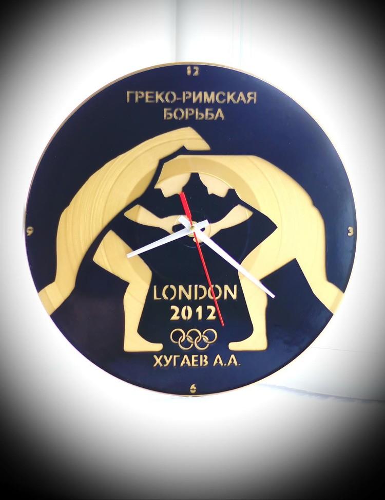 Часы для олимпийского чемпиона Алана Хугаева.