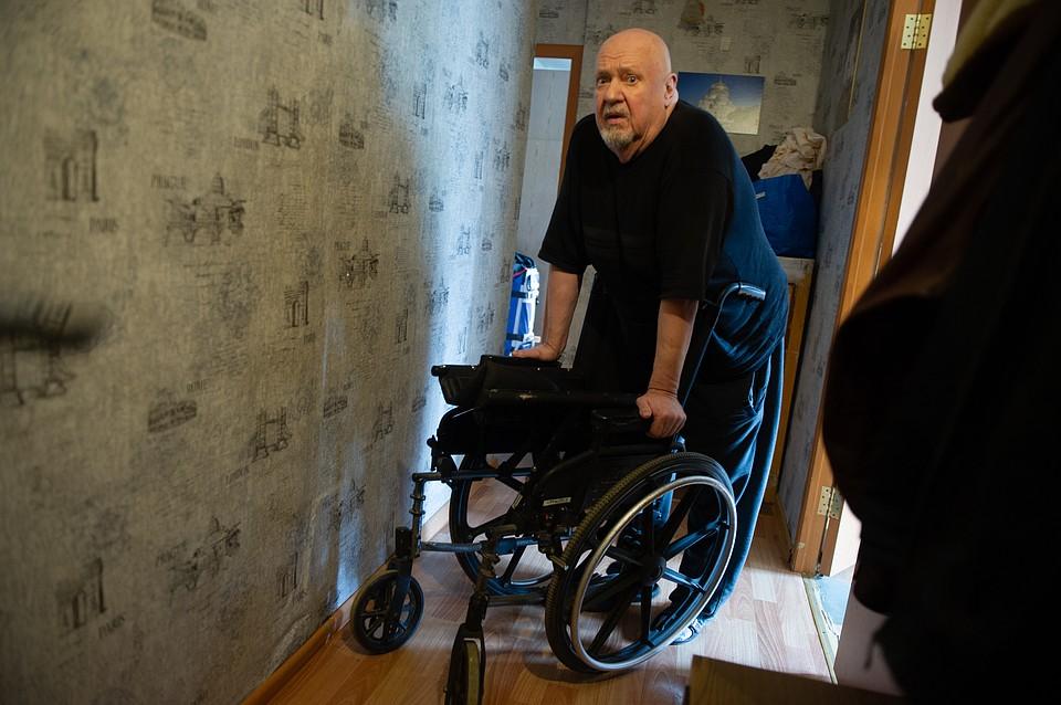 Сейчас Александр живет в приюте для бездомных. Фото: Алексей БУЛАТОВ