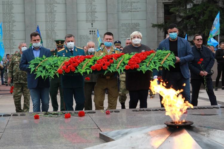 День ВДВ в Иркутске 2020: почтили павших воинов