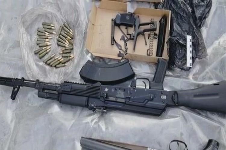 179 единиц огнестрельного оружия, гранаты, взрывчатка. Стоп-кадр видео