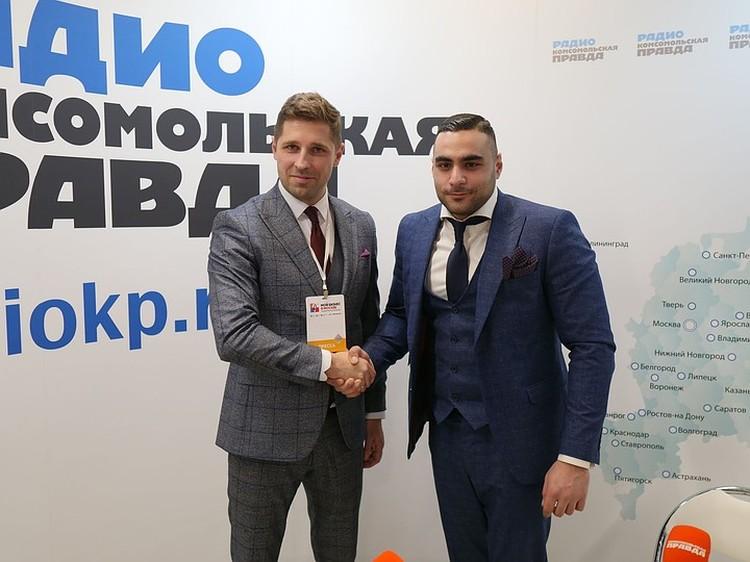 Генеральный директор компании «Центр бронирования» Георгий Багдасарян (справа)