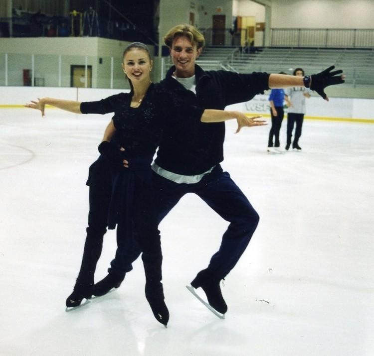 Анна Семенович с Романом Костомаровым считались вторым дуэтом после Ирины Лобачевой и Ильи Авербуха, которые поехали на Олимпиаду-2002 в Солт-Лейк-Сити и завоевали серебро. Фото: личный архив