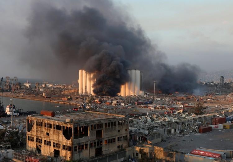 Дым после взрыва было видно со всех концов города.