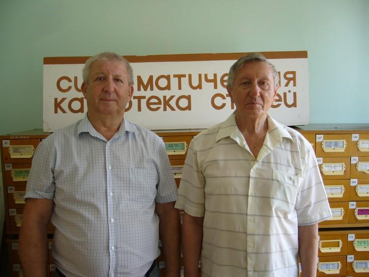 Поисковик из Пятигорска Геннадий Полубедов (слева) и сын командира танка – Виктор Чугуевский.